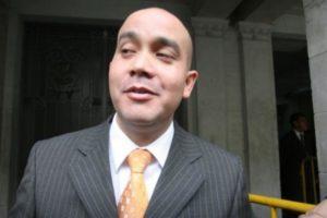 Eduardo Roy Gates renuncia como abogado de Nadine Heredia