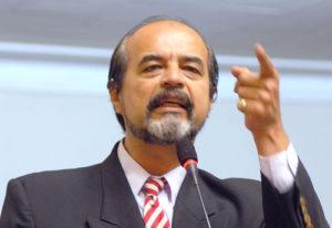 Mauricio Mulder y Yonhy Lescano se pelearon en Comisión de Ética