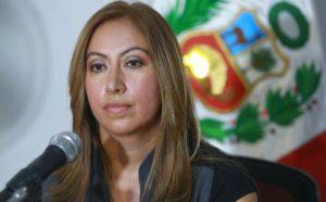 Katherine Ampuero fue separada como procuradora