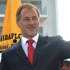 Jorge Muñoz postularía a alcaldía de Lima