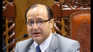 Ministerio investigará a Hamilton Castro