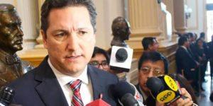 Daniel Salaverry propone límites en gastos de publicidad estatal en medios
