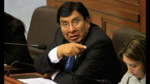 Lucio Ávila renuncia a Fuerza Popular